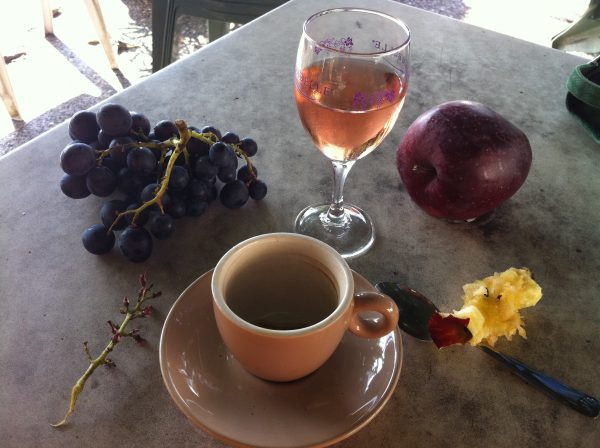 guided walking holiday in the south of france concots