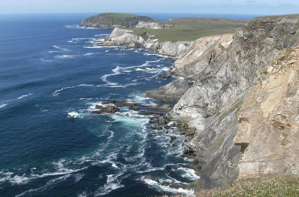 Clifftop Walk at Carrowtigue (An Ceathrú Thaidhg)